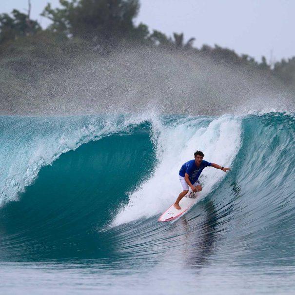 Borja Ibarra Escuela de surf los locos