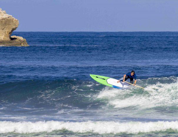 Borja paddel race remo en la concha suances escuela de surf los locos clases de paddel y sup en cantabria