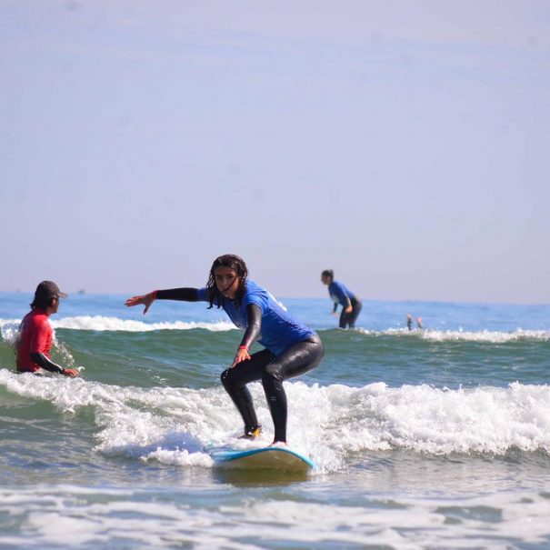 surf en suances en la escuela de surf los locos surf school